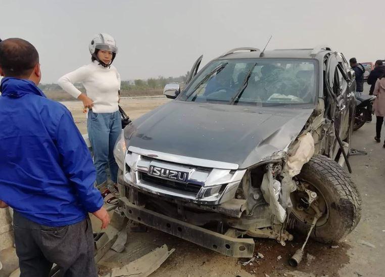 झापामा मेयरले चलाएको गाडी दुर्घटनामा परेपछि ….